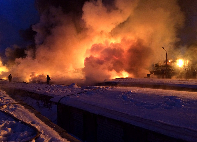 Several hundred rescuers were involved in efforts to extinguish the fire after the derailment of the train in the Kirov region (RIA Novosti)