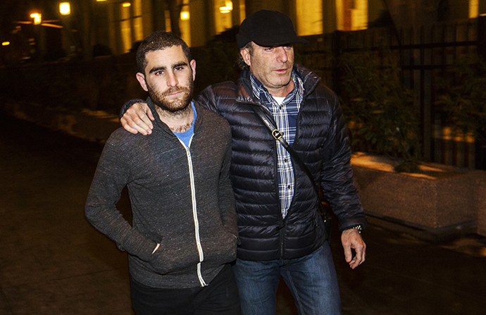 Bitcoin Foundation Vice Chairman Charlie Shrem (L) leaves the Manhattan Federal Courthouse in New York January 27, 2014. Shrem has been charged by U.S. prosecutors with conspiring to commit money laundering by helping to funnel cash to illicit online drugs bazaar Silk Road. (Reuters / Lucas Jackson)