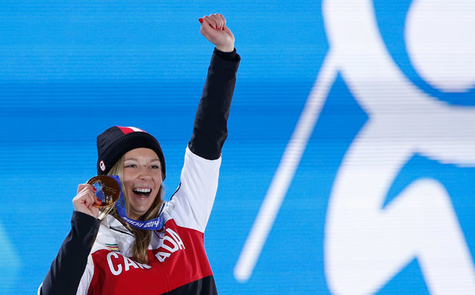 Gold medallist Canada's Dara Howell poses during the victory ceremony for the women's freestyle skiing slopestyle competition at the 2014 Sochi Winter Olympics February 11, 2014 (Reuters / Jim Young)
