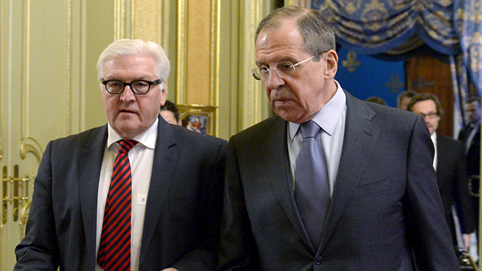 Foreign Minister Sergei Lavrov (right) and German Foreign Minister Frank-Walter Steinmeier during a meeting in Moscow on February 14, 2014. (RIA Novosti / Eduard Pesov)