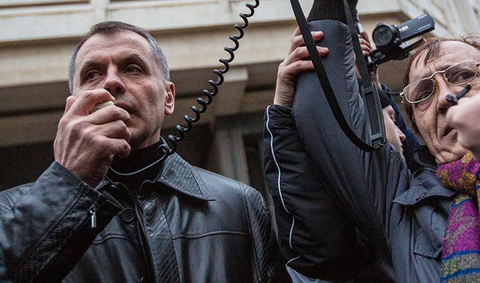 Sergey Aksyonov, Simferopol 28. helmikuuta 2014.  (RIA Novosti / Andrey Stenin)