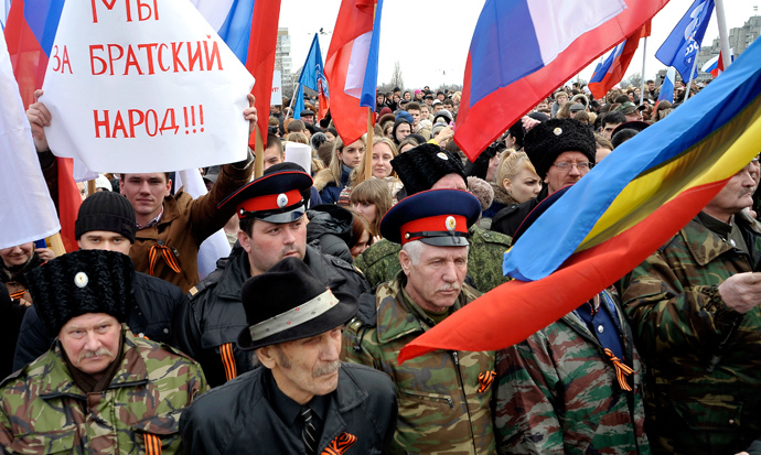 People wearing cossack's hats take part in a rally in the southern city of Rostov-on-Don, on March 4, 2014, in support of ethnic Russians in the Crimea and Eastern Ukraine (AFP Photo / Andrey Kronberg)