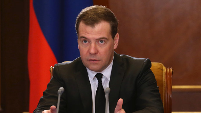 Medvedev pledges further support to Ukraine once authorities prove their legitimacy