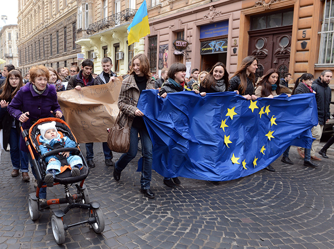 Lvov, November 22, 2013. (AFP Photo / Yuriy Dyachyshyn)