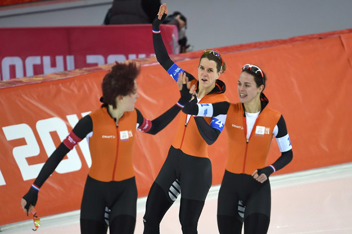 (From L) Netherlands' Jorien ter Mors, Ireen Wust and Marrit Leenstra (AFP Photo / Damien Meyer)