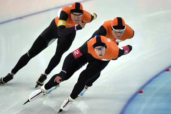 (From L) Netherlands' Sven Kramer, Koen Verweij and Jan Blokhuijsen (AFP Photo / Damien Meyer)