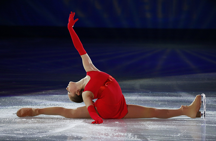 Russia's Yulia Lipnitskaya performs during the Figure Skating Gala Exhibition at the Sochi 2014 Winter Olympics, February 22, 2014. (Reuters / Lucy Nicholson)