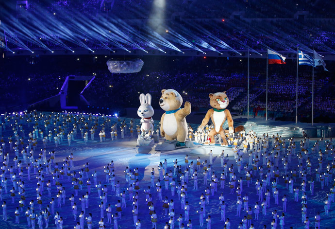 Performers surround mechanized Olympic mascots during the closing ceremony for the 2014 Sochi Winter Olympics, February 23, 2014. (Reuters / Grigory Dukor)