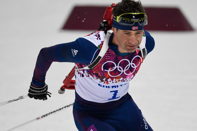 Norway's Ole Einar Bjoerndalen competes in the Men's Biathlon 12,5 km Pursuit at the Laura Cross-Country Ski and Biathlon Center during the Sochi Winter Olympics on February 10, 2014 in Rosa Khutor near Sochi. (AFP Photo / Odd Andersen)