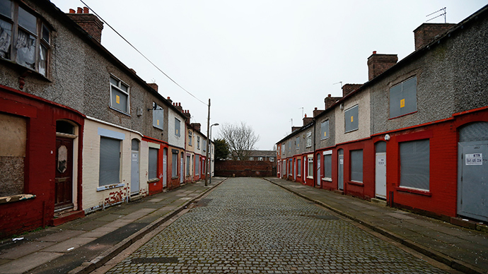 A street of boarded up terraced houses is seen in the Kensington area of Liverpool, northern England (Reuters / Phil Noble)