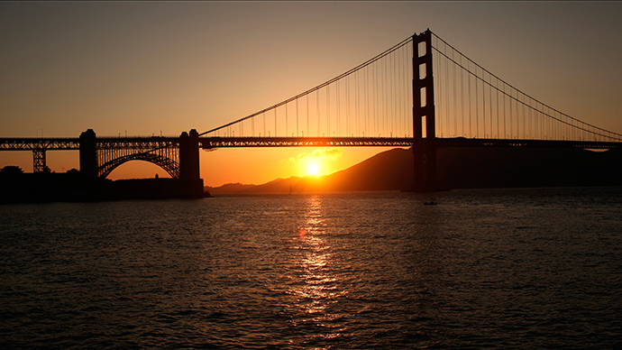 Golden Gate Bridge hits record 46 suicides in 2013