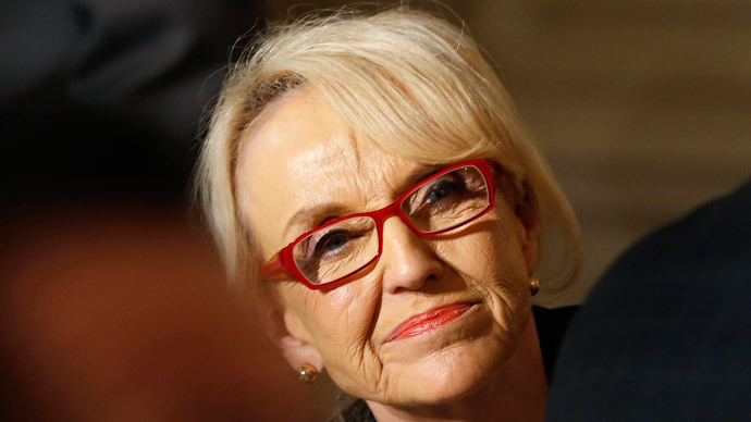 Arizona Gov Brewer announces veto of controversial 'religious freedom' bill