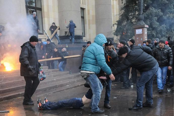 Kharkov, March 1, 2014.(Reuters / Stringer)
