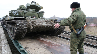Self-defense forces ranks swell in anticipation of Crimea showdown with radicals