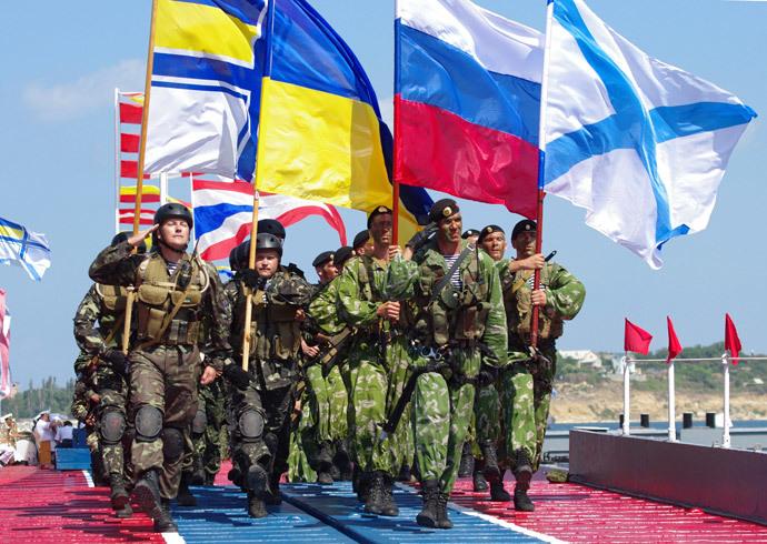 Servicemen participate in a joint parade of Ukraine's Navy and the Russian Black Sea Fleet in Sevastopol on Navy Day.(RIA Novosti / Vasiliy Batanov)