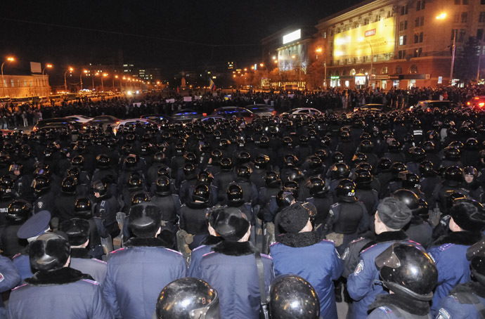 Riot police stand guard in front of a regional government building as pro-Russian demonstrators take part in a rally in Kharkov March 5, 2014. (Reuters)