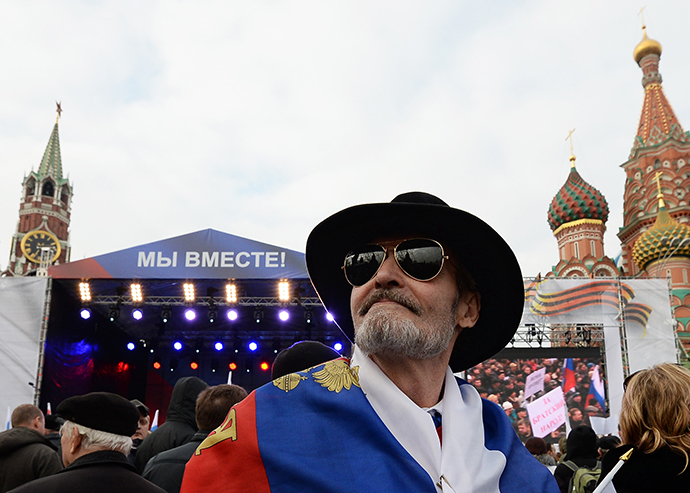 """Participants in the """"We Are Together"""" rally and concert to support the residents of the Crimea, at Vasilyevsky Slope, Moscow on March 7, 2014. (RIA Novosti / Maksim Blinov)"""