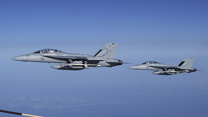 Two U.S. Navy EA-18G Growler electronic warfare jets (Reuters / Ho New)