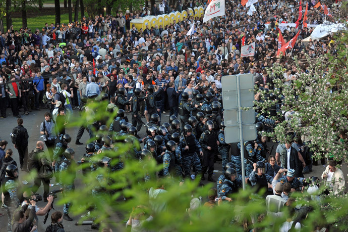 Police detain participants of the March of Millions protest rally on Moscow's Bolotnaya Square. (RIA Novosti / Aleksandr Utkin)