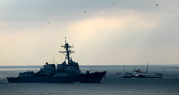 "The ""USS Truxtun"" destroyer (AFP Photo / Bulent Kilic)"