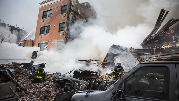 8 dead after explosion causes building collapse in Upper Manhattan