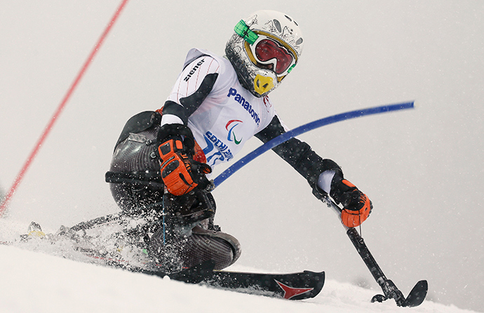 Germany's Anna-Lena Forster skis in the first run of the women's sitting slalom event at the 2014 Sochi Paralympic Winter Games at the Rosa Khutor Alpine Center, March 12, 2014 (Reuters / Christian Hartmann)