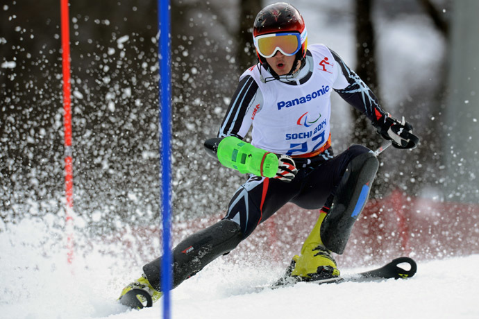 Russia's Alexey Bugaev (LW 6/8-2) competes in the Men's Alpine Skiing Slalom Standing at the XI Paralympic Olympic games in the Rosa Khutor Alpine Center close to city of Sochi on March 13, 2014. (AFP Photo)
