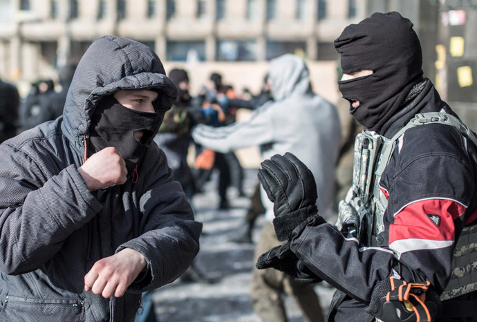 "Training in hand combat among opposition fighters from the nationalist organization ""Right sector"" in a camp on Independence Square in Kiev.(RIA Novosti / Andrey Stenin)"