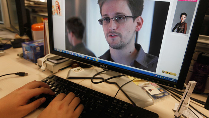 Pulitzer Prize board to clash over awarding Snowden reporters