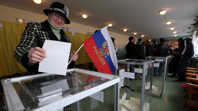 Paving the future: Ukraine's Crimea goes to independence poll — RT World News
