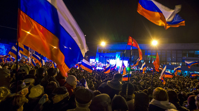 Ukraine's east on fire: Kharkov demands referendum, Donetsk prosecutor's HQ stormed
