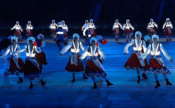 Performers take part in the closing ceremony of the 2014 Paralympic Winter Games in Sochi, March 16, 2014 (Reuters / Alexander Demianchuk)