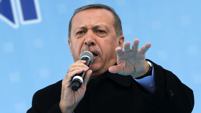 Turkey blocks Twitter after PM threatens to wipe it out