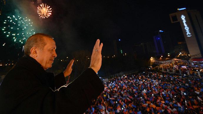Erdogan vows purge of 'enemies' after vote win