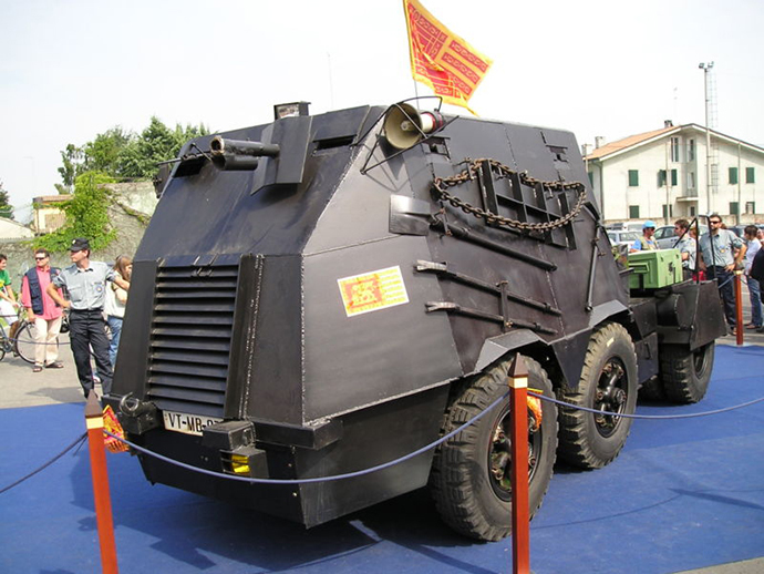 """The so-called Tanko, used by the secessionist (so-called) """"commando"""" Serenissimi to assault the San Marco Belltower in Venice, May 9, 1997. (Image from wikipedia.org)"""