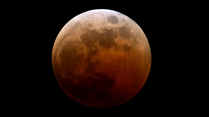 'Blood moon' rising: Total lunar eclipse on April 14-15, first in rare series