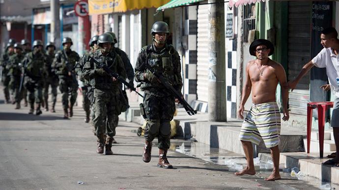 Rio slum raided ahead of World Cup (PHOTOS)