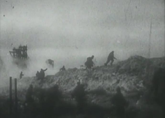 Soviet soldiers advance near the ruins of Kerch metallurgical works factory, April 1944 (Still from YouTube video/user khodakovsky)