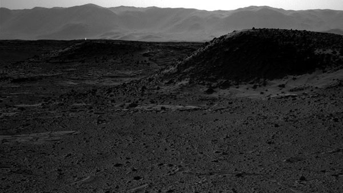 Mars Rover's 'mysterious light' photo causes wild speculations about alien life