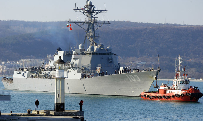 "The US Navy destroyer ""USS Truxtun"" enters the Black Sea port of Varna in Bulgaria, on March 13, 2014. (AFP Photo / Anton Stoyanov)"