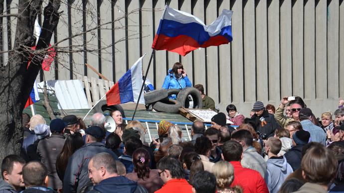 Kiev threatens force against eastern Ukraine protesters
