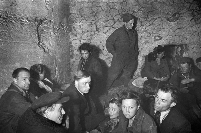 Soviet pilots and civilians shelter from Luftwaffe bombing in Kerch catacombs, May 1942 (RIA Novosti / Anatoliy Garanin)