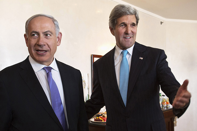 U.S. Secretary of State Kerry (right) and Israeli Prime Minister Netanyahu (Reuters / Jacquelyn Martin)