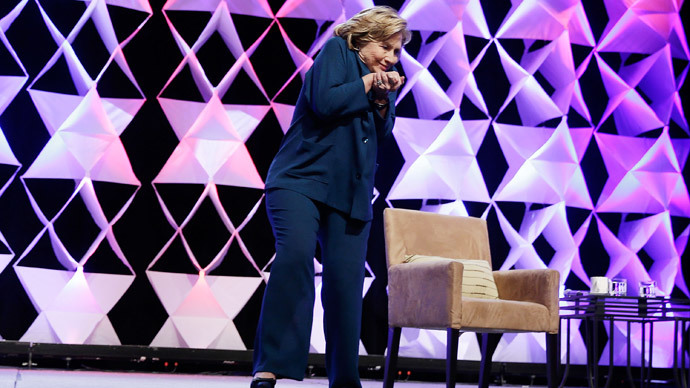 Shoe thrown at Hillary Clinton during Las Vegas speech (VIDEO)