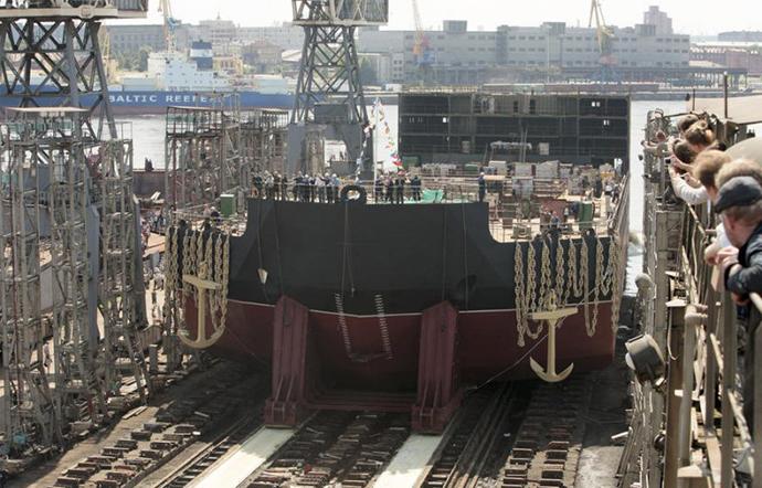 'Akademik Lomonosov' on berth. Image from topwar.ru