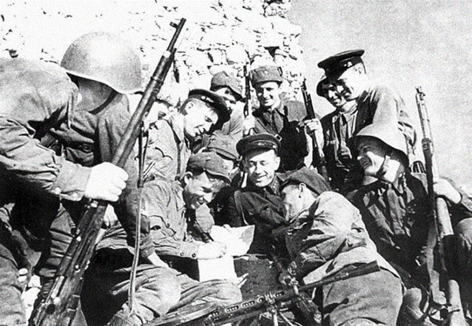 Defenders of Genoese fortress near Balaklava, May 1942