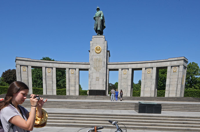 The memorial to the Soviet soldiers killed during the Battle of Berlin in April-May 1945, in Tiergarten. (RIA Novosti)