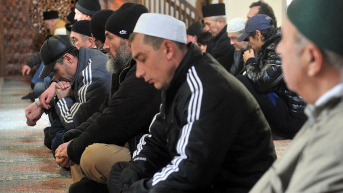 Stalin victims, incl Crimean Tatars, rehabilitated by Putin decree