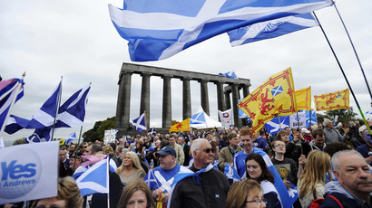 Parties pledge powers to Scottish Parliament if Scots vote 'no'