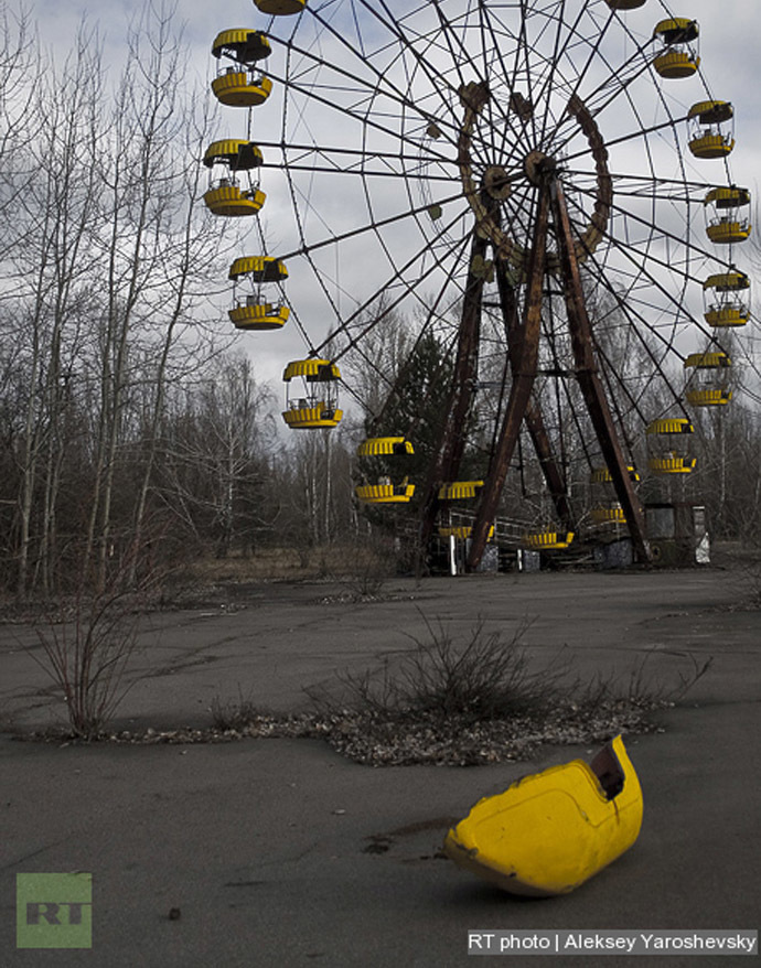 Chernobyl then and now: 28 haunting images from nuclear disaster ...